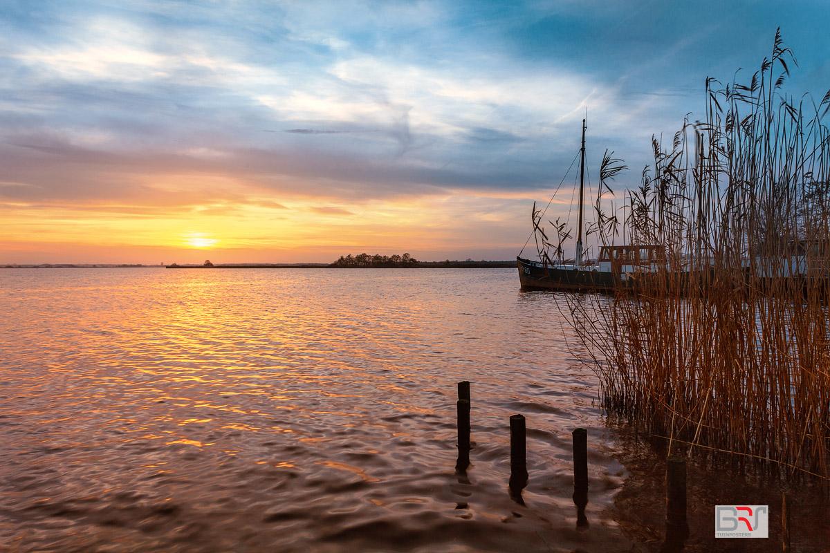 Leekstermeer-zonsondergang-met-boot